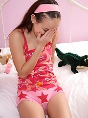 Hot Cameltoe Shots with Petite Amai Liu - 7/6/2012